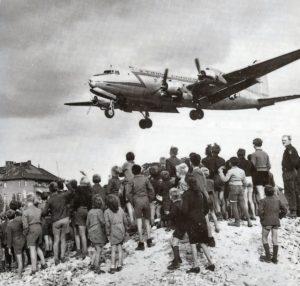 CE JOUR DANS L'HISTOIRE : 24 juin 1948, le début du blocus de Berlin, première crise majeure de la Guerre froide