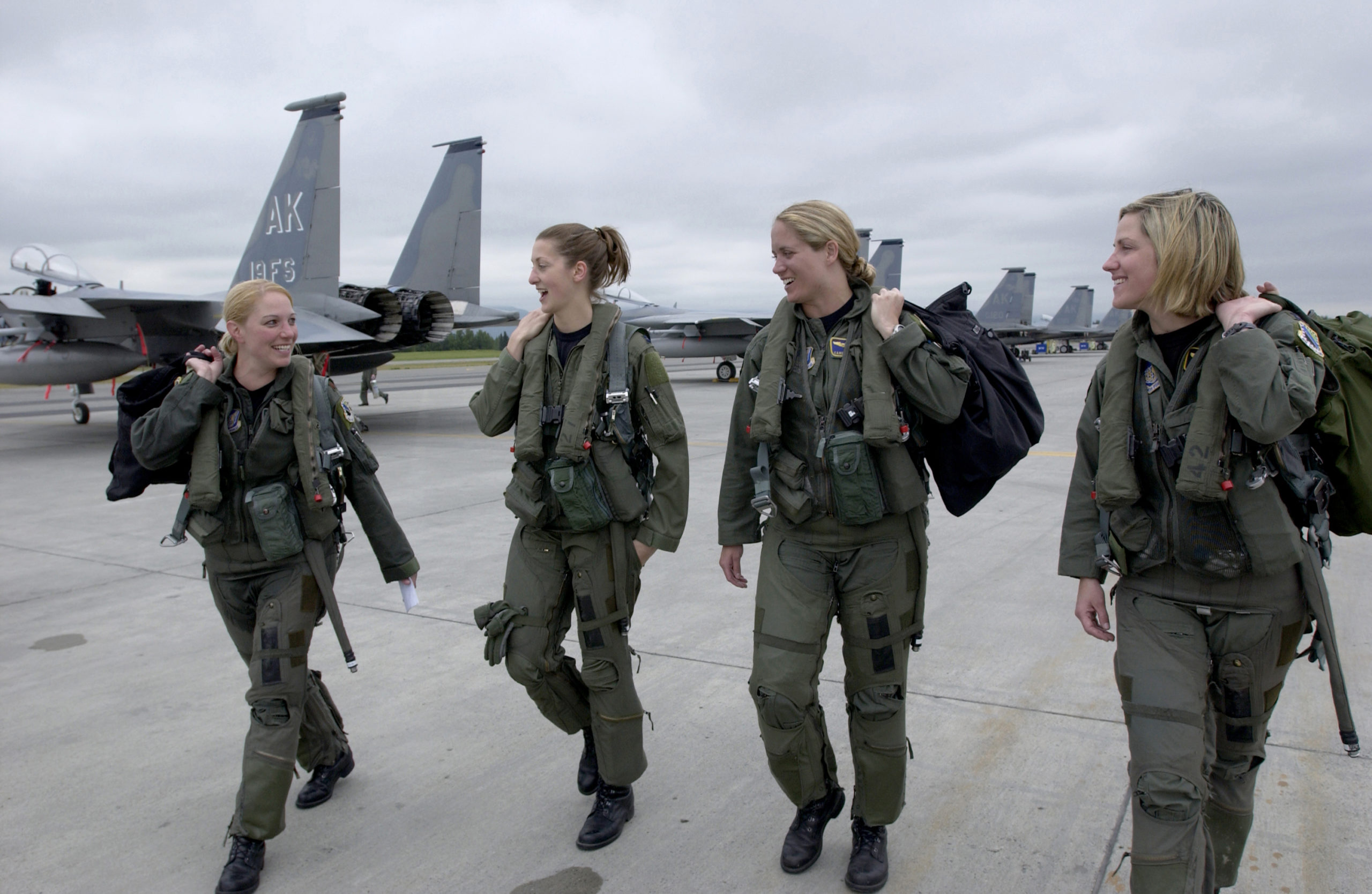 La féminisation des armées : une question ancienne, un débat actuel